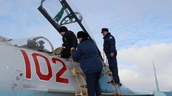 Летчики морской авиации Балтийского флота исполнили новогоднюю мечту подростка, пригласив его на полеты истребителей