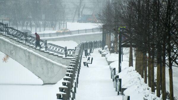 Набережная реки Яузы в Москве