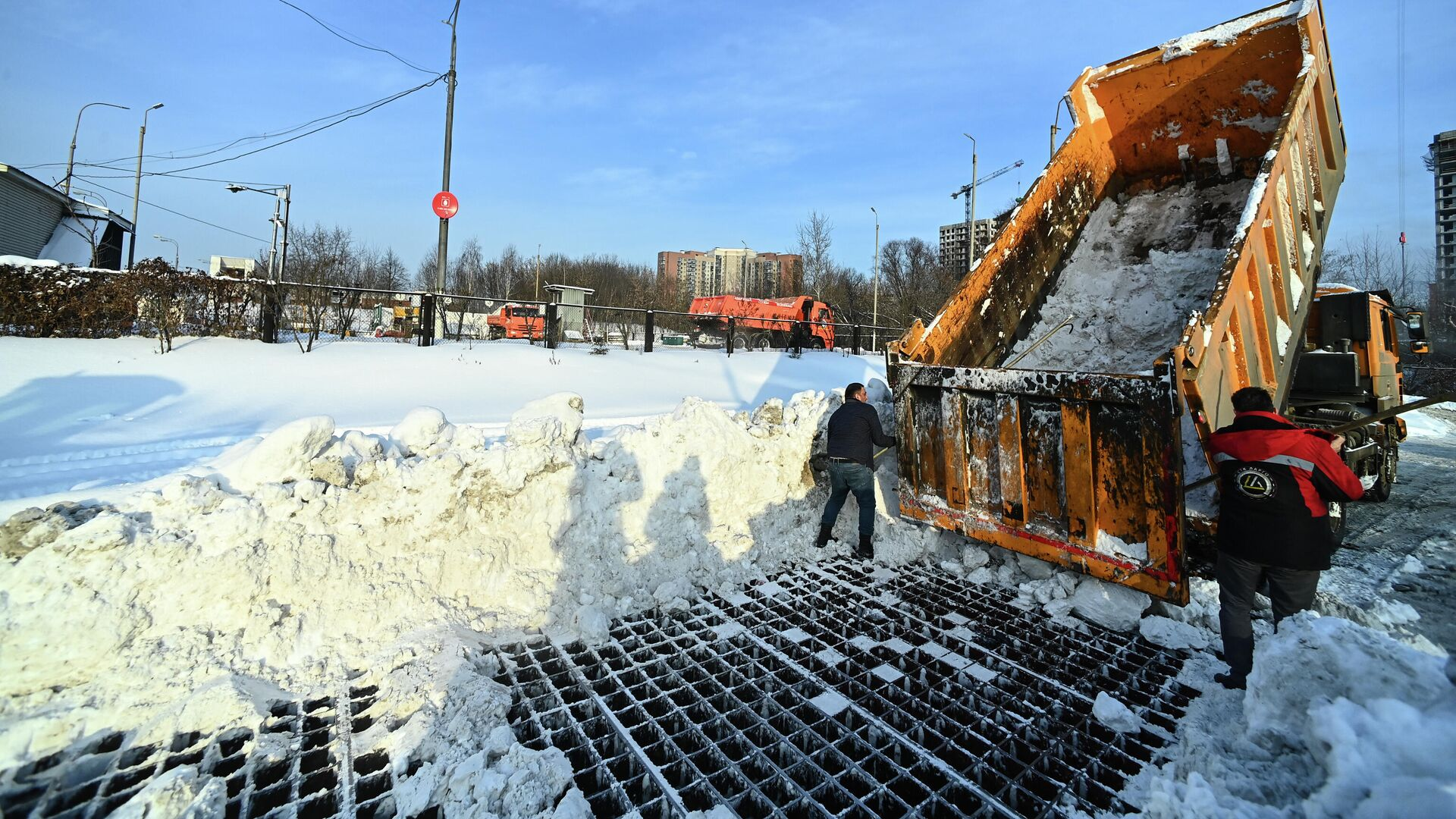 Работа снегоплавильных пунктов в Москве - РИА Новости, 1920, 15.02.2021