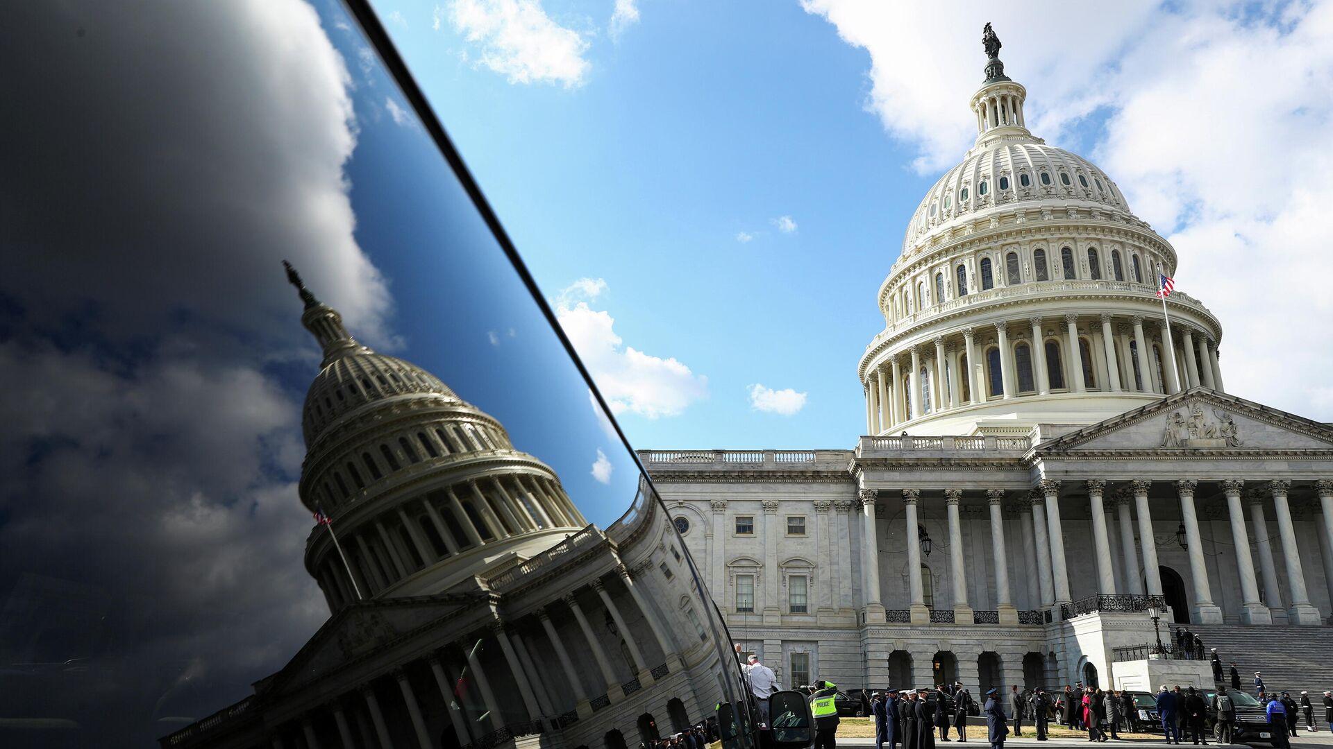Капитолий США во время церемонии инаугурации Джо Байдена в Вашингтоне - РИА Новости, 1920, 20.01.2021