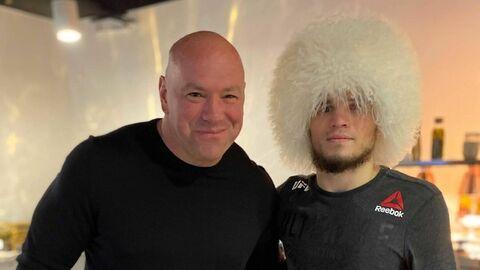 Глава UFC Дэйна Уайт (слева) и Умар Нурмагомедов