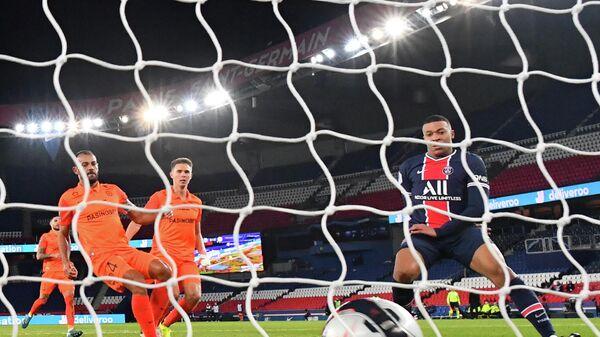 Игровой момент матча Пари Сен-Жермен - Монпелье