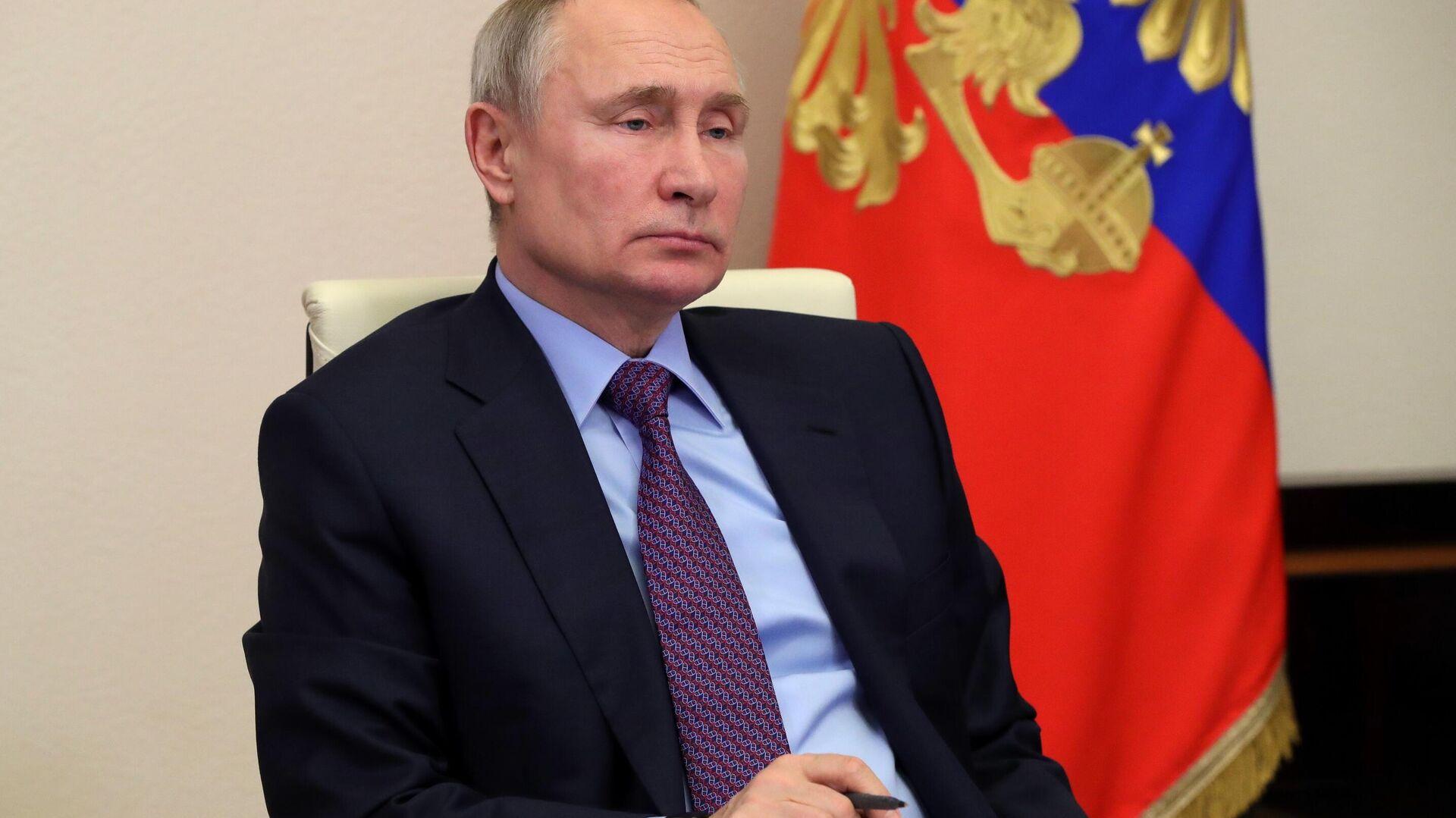 LIVE: Владимир Путин проводит видеоконференцию со студентами - РИА Новости, 1920, 25.01.2021