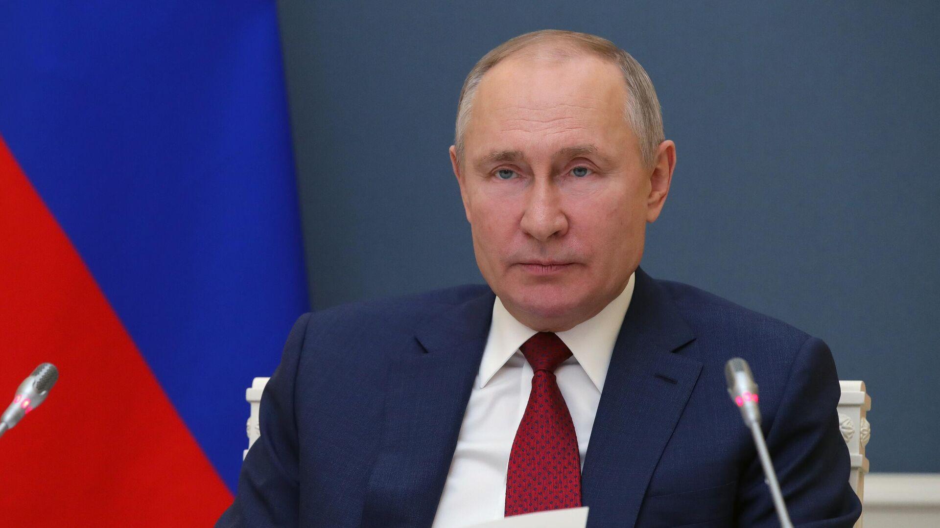 Президент РФ Владимир Путин выступает по видеосвязи на сессии Давосская повестка дня 2021 Всемирного экономического форума - РИА Новости, 1920, 27.01.2021