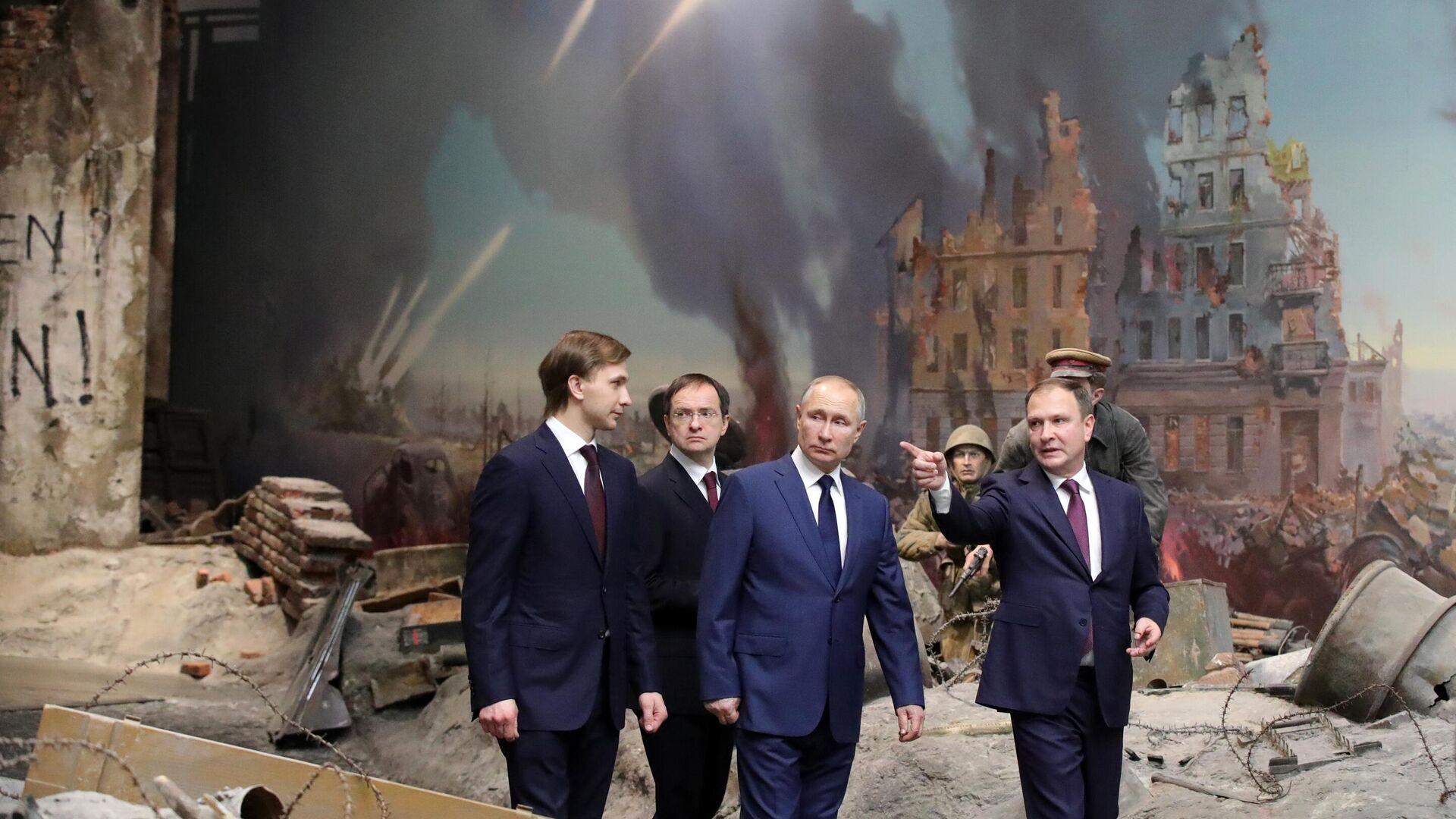 Президент РФ В. Путин посетил Музей Победы на Поклонной горе - РИА Новости, 1920, 31.01.2021