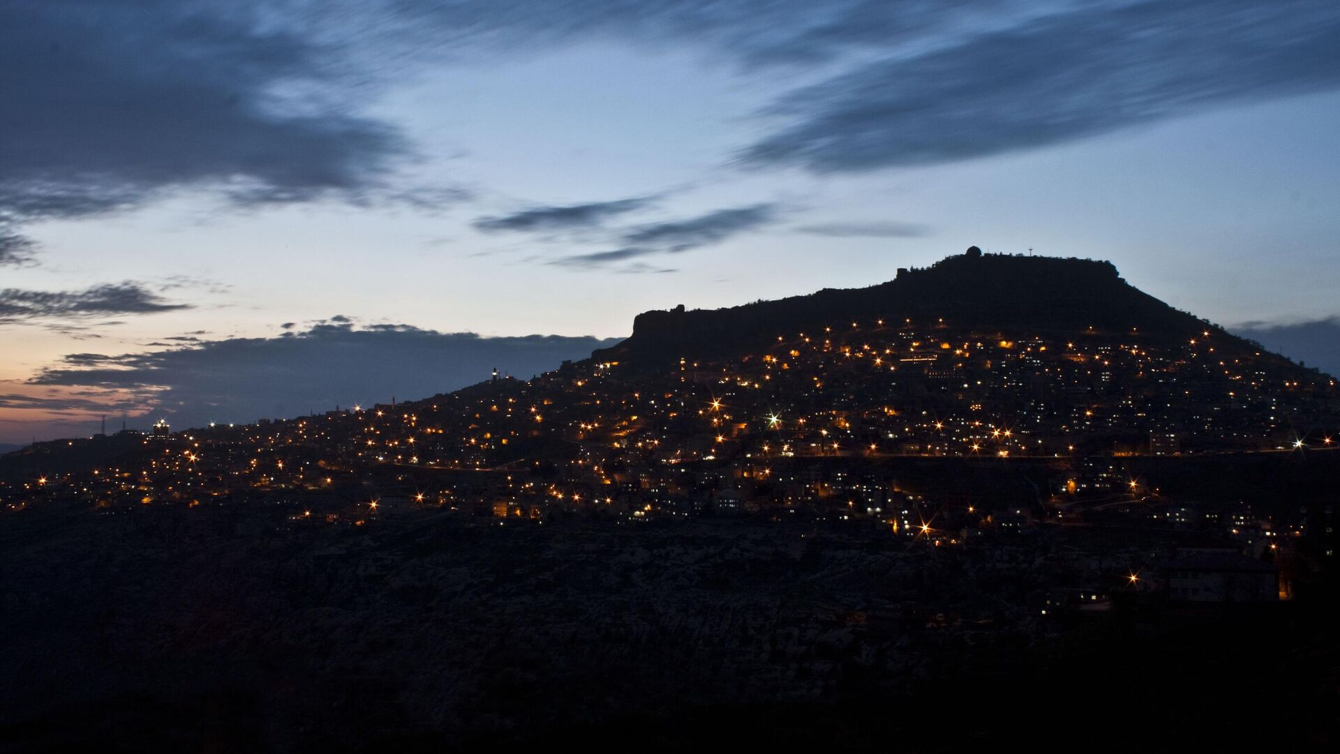 Вид на ночной Мардин, Турция - РИА Новости, 1920, 05.03.2021
