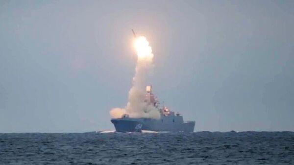 Запуск гиперзвуковой ракеты Циркон с фрегата Адмирал Горшков в Белом море