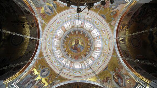 В соборе святого Александра Невского в Ново-Тихвинском женском монастыре в Екатеринбурге