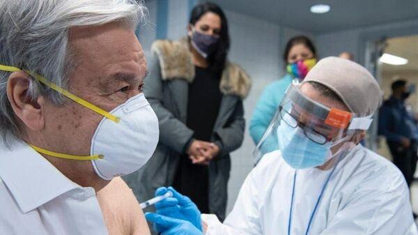 Генеральный секретарь ООН Антониу Гутерреш привился от коронавируса вакциной компании Moderna