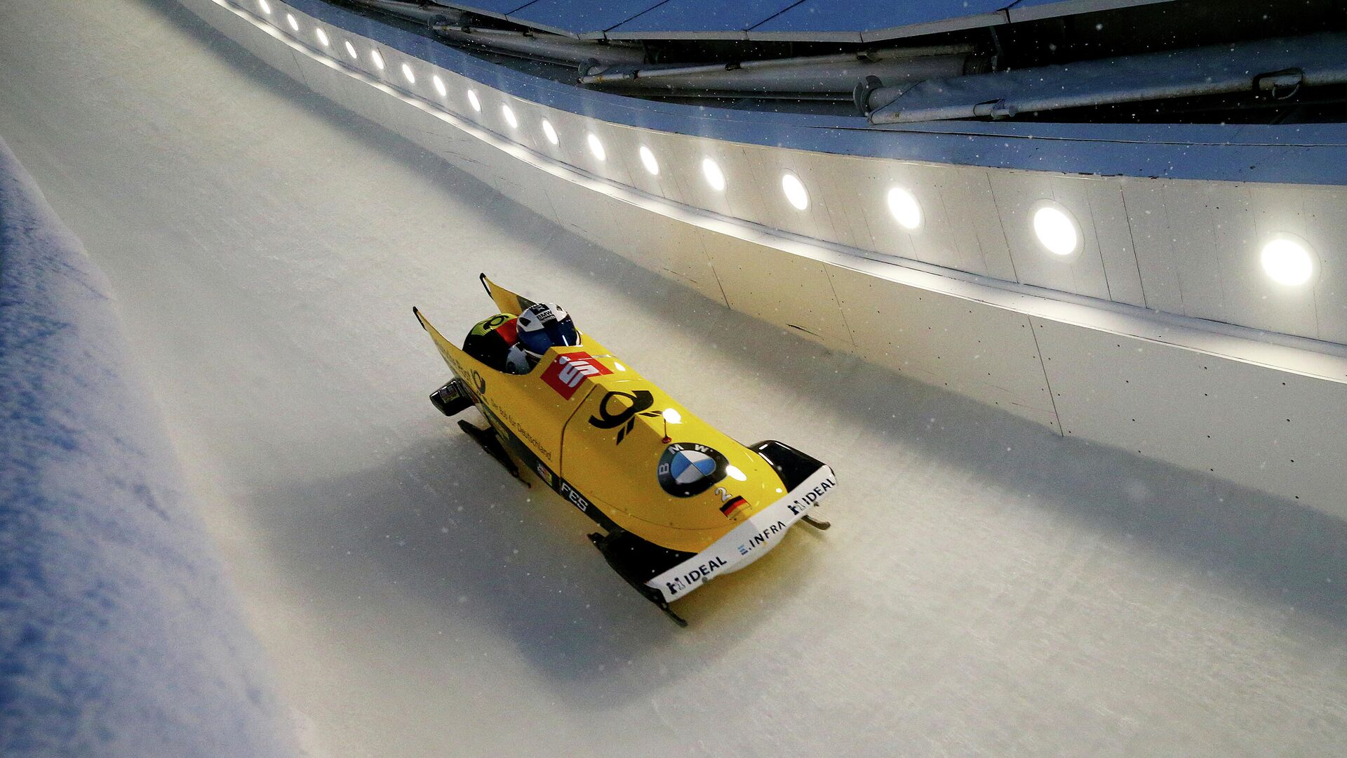 LAKE PLACID, NEW YORK - FEBRUARY 15: Francesco Friedrich and Thorsten Margis of Germany compete in the second run of the two-man bobsled race on day 1 of the 2019 IBSF World Cup Bobsled & Skeleton at the Mount Van Hoevenberg Olympic Bobsled Run on February 15, 2019 in Lake Placid, New York.   Maddie Meyer/Getty Images/AFP - РИА Новости, 1920, 30.01.2021