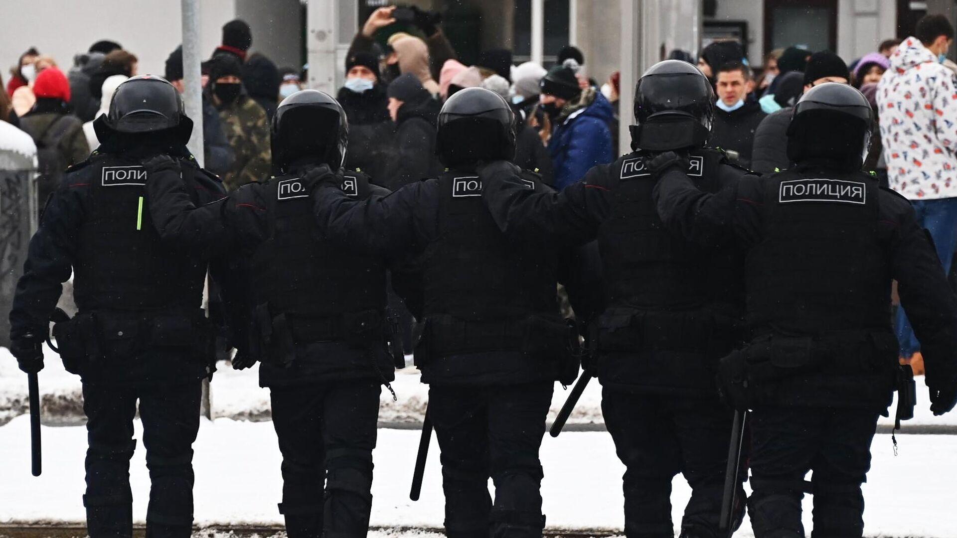 Несанкционированные акции протеста сторонников Алексея Навального в Москве - РИА Новости, 1920, 06.02.2021