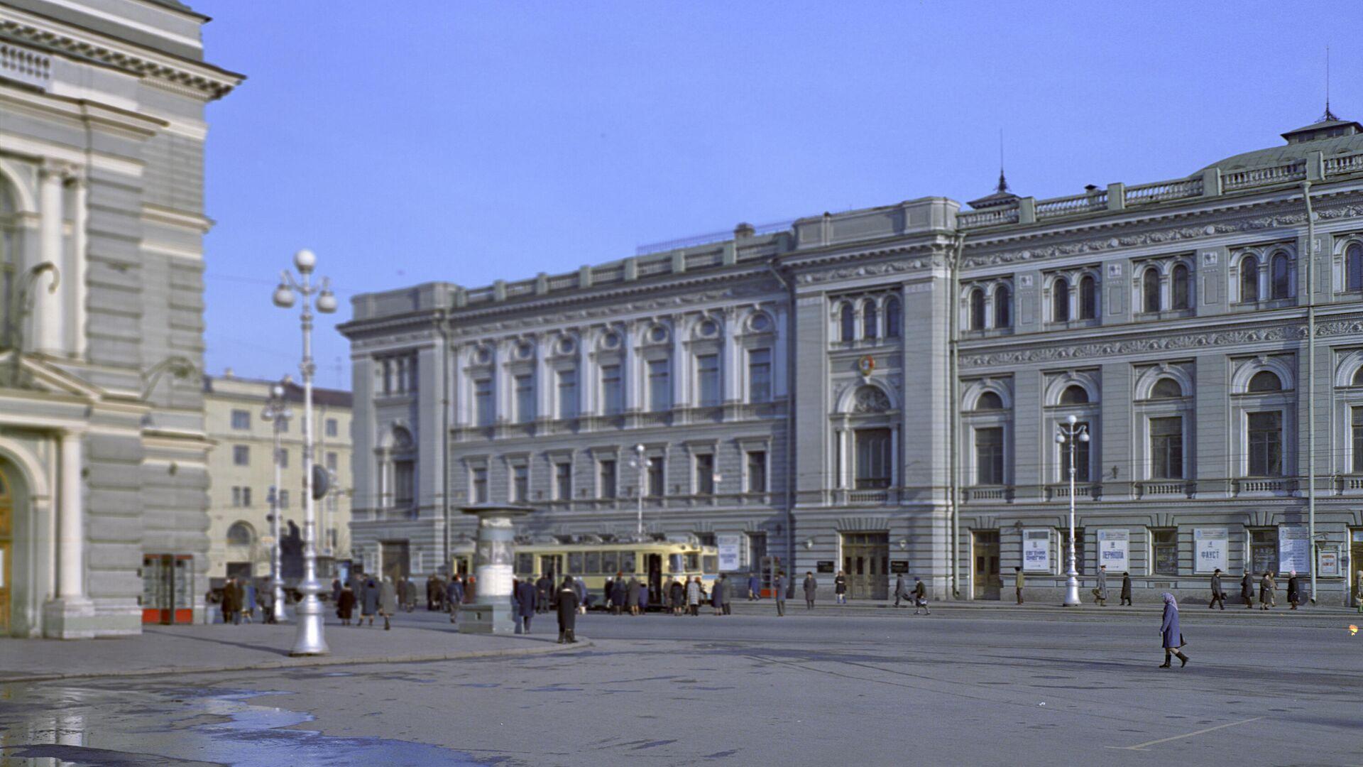Здание консерватории имени Н.А. Римского-Корсакова в Петербурге - РИА Новости, 1920, 05.05.2021