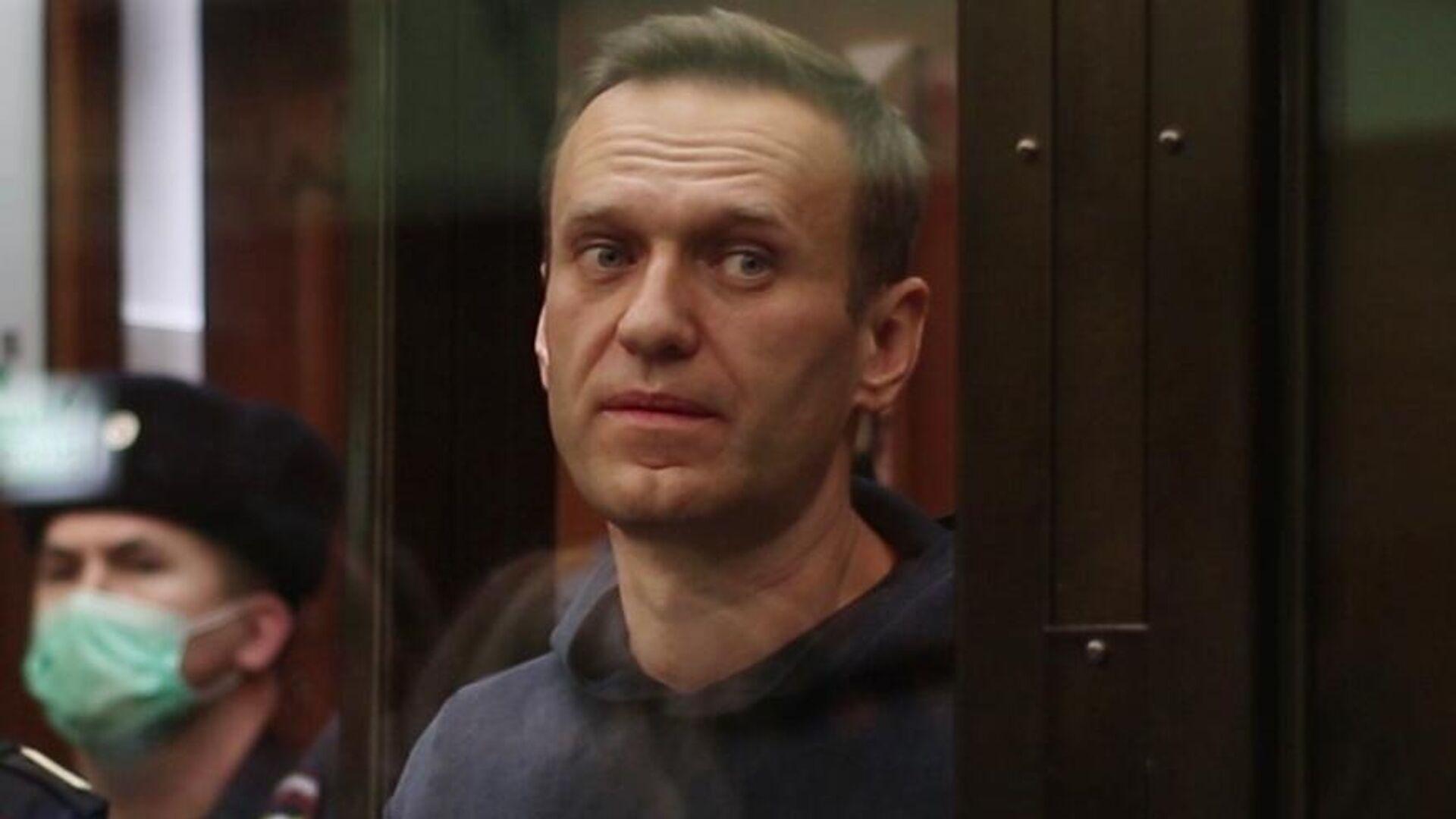 Алексей Навальный на заседании суда. Кадр видео - РИА Новости, 1920, 04.02.2021