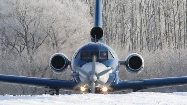 Самолет Як-40 с первым в мире сверхпроводящим электрическим двигателем