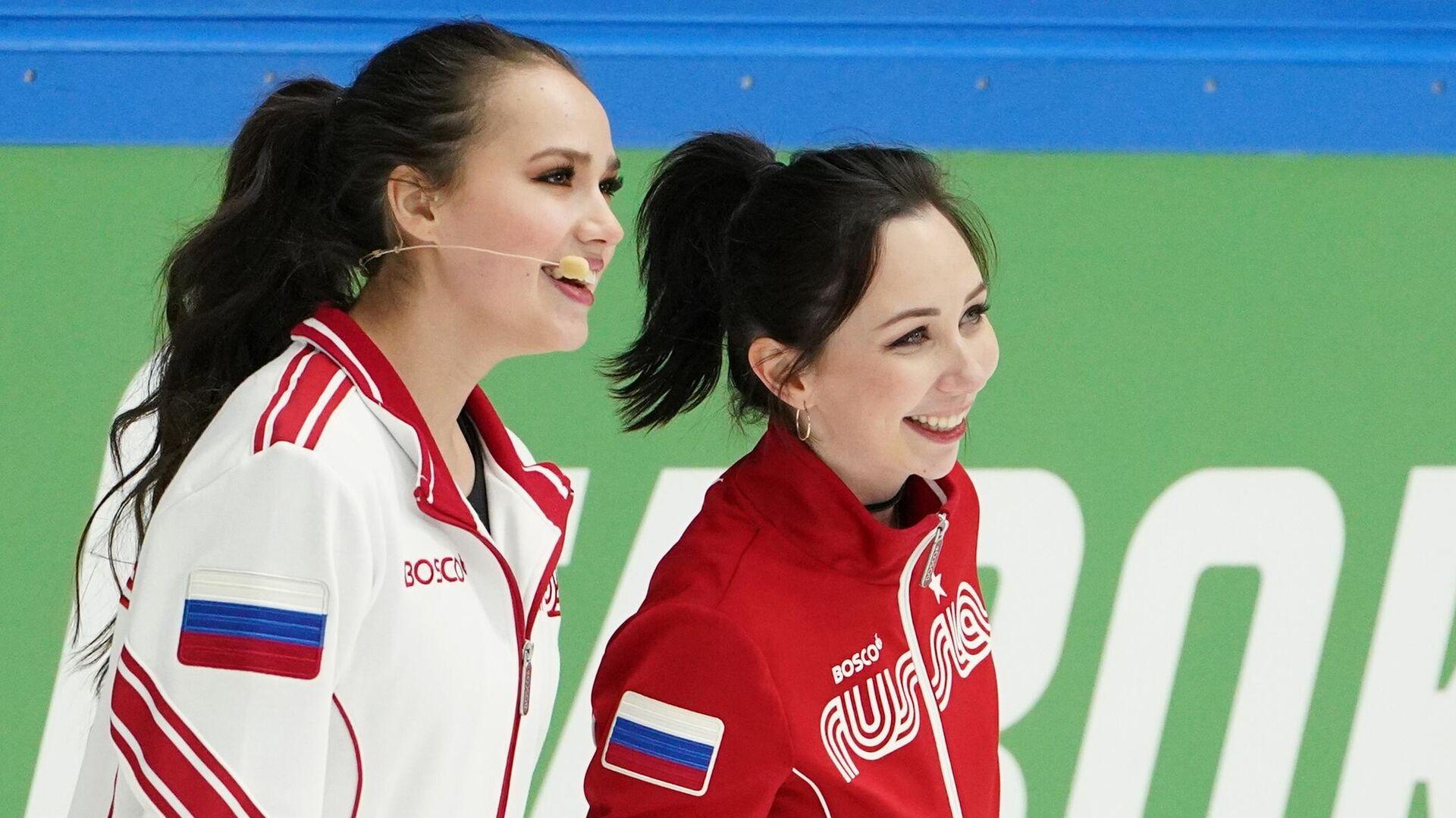 Алина Загитова (слева) и Елизавета Туктамышева - РИА Новости, 1920, 05.02.2021
