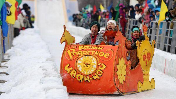 Участники всероссийского фестиваля креативных санок SUNNYФЕСТ в Мамадыше
