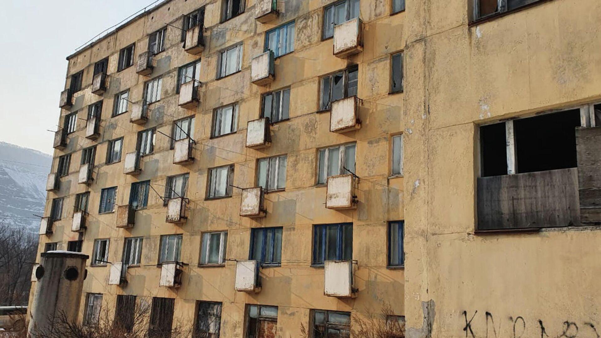 Аварийный дом в городе Дальнегорске на улице Рабочая - РИА Новости, 1920, 08.02.2021