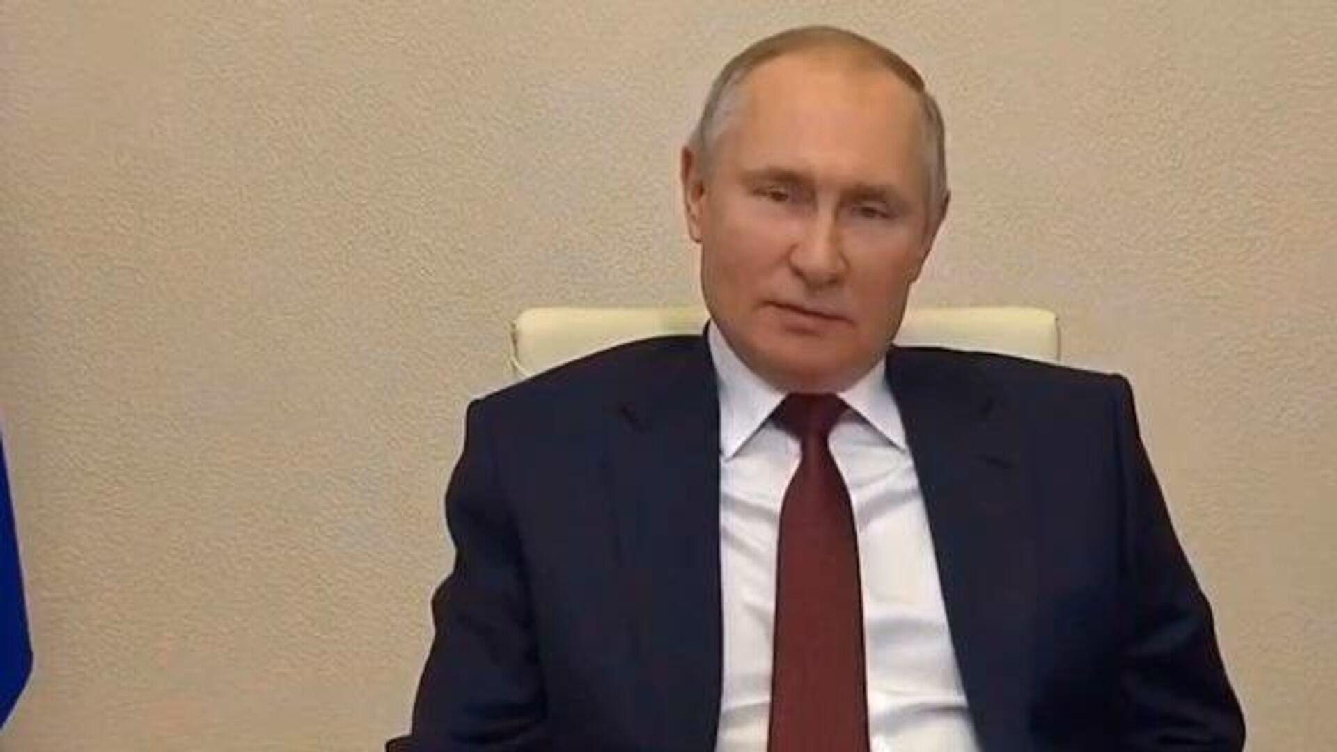 Где деньги, Зин? – Путин поручил разобраться с зарплатами ученых - РИА Новости, 1920, 08.02.2021