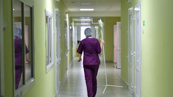 Сотрудница детской больницы