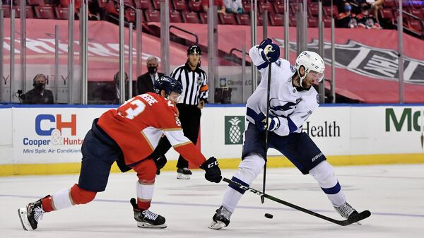 Игровой момент матча НХЛ Тампа Бэй Лайтнинг - Флорида Пантерз
