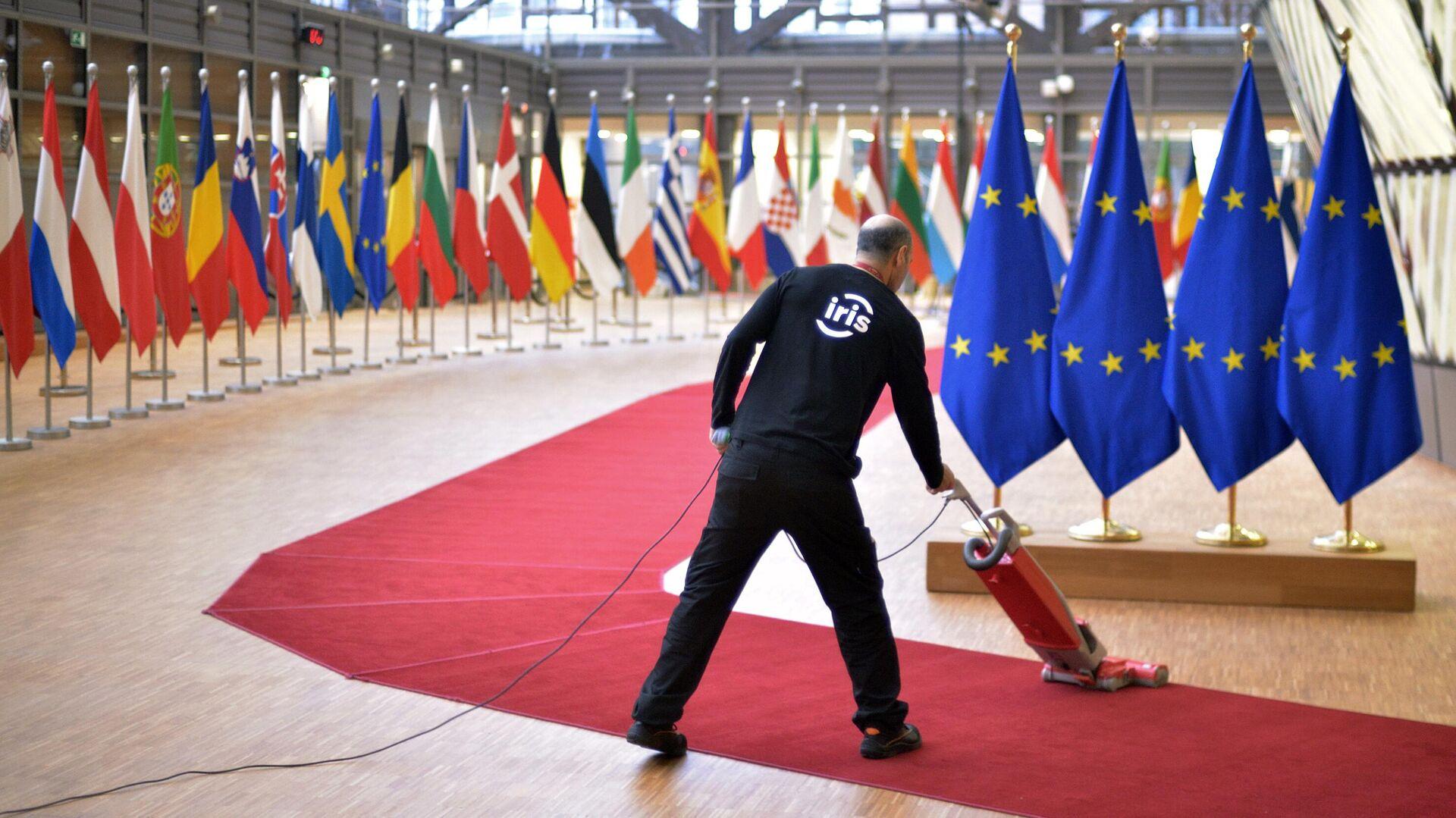 Опрос показал, кто больше всех недоволен политикой Евросоюза