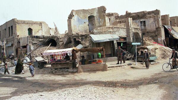 Улица Герата, разрушенная в результате артобстрела экстремистами. Республика Афганистан