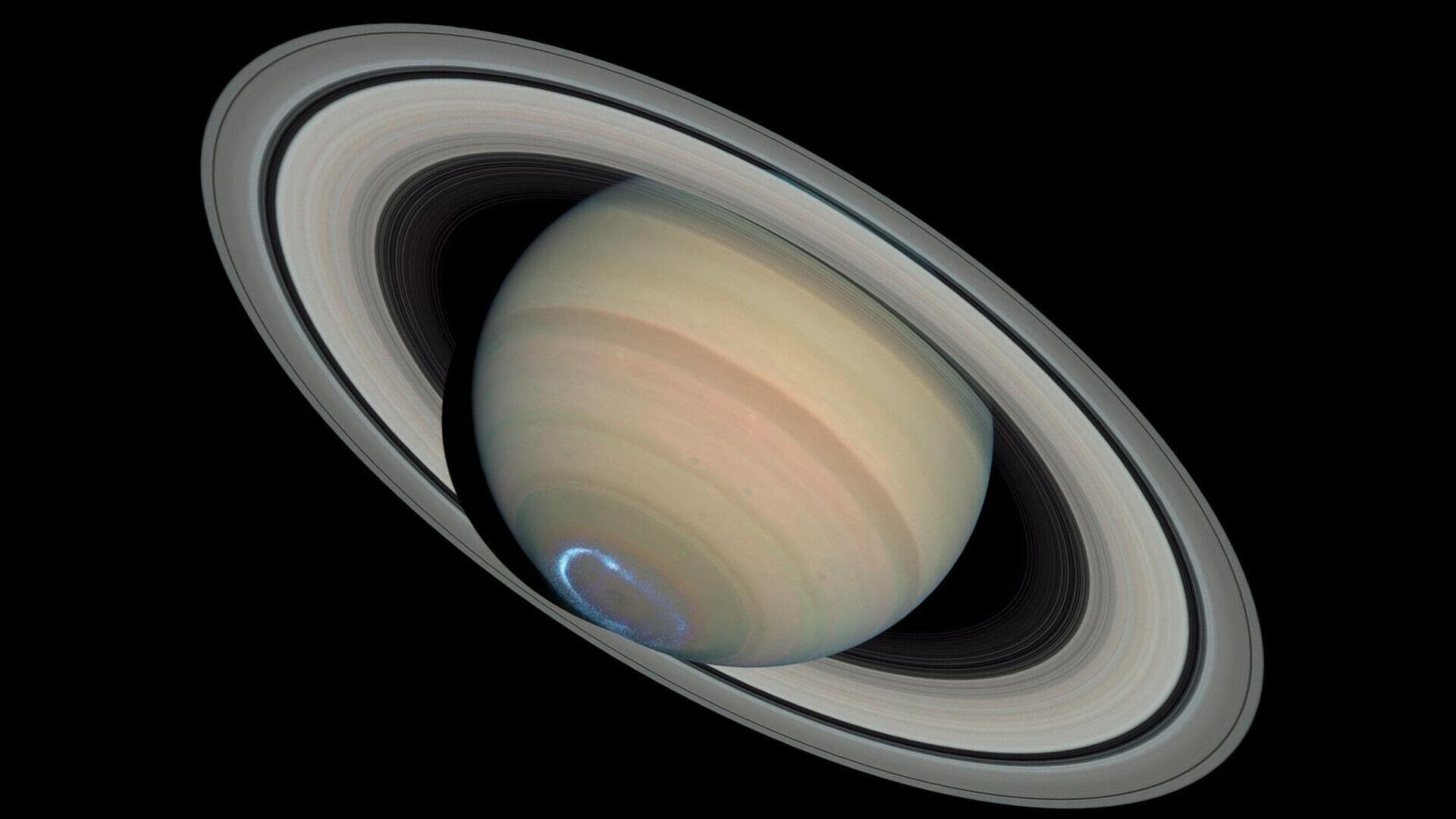 Астрономы получили первые данные о внутреннем строении Сатурна
