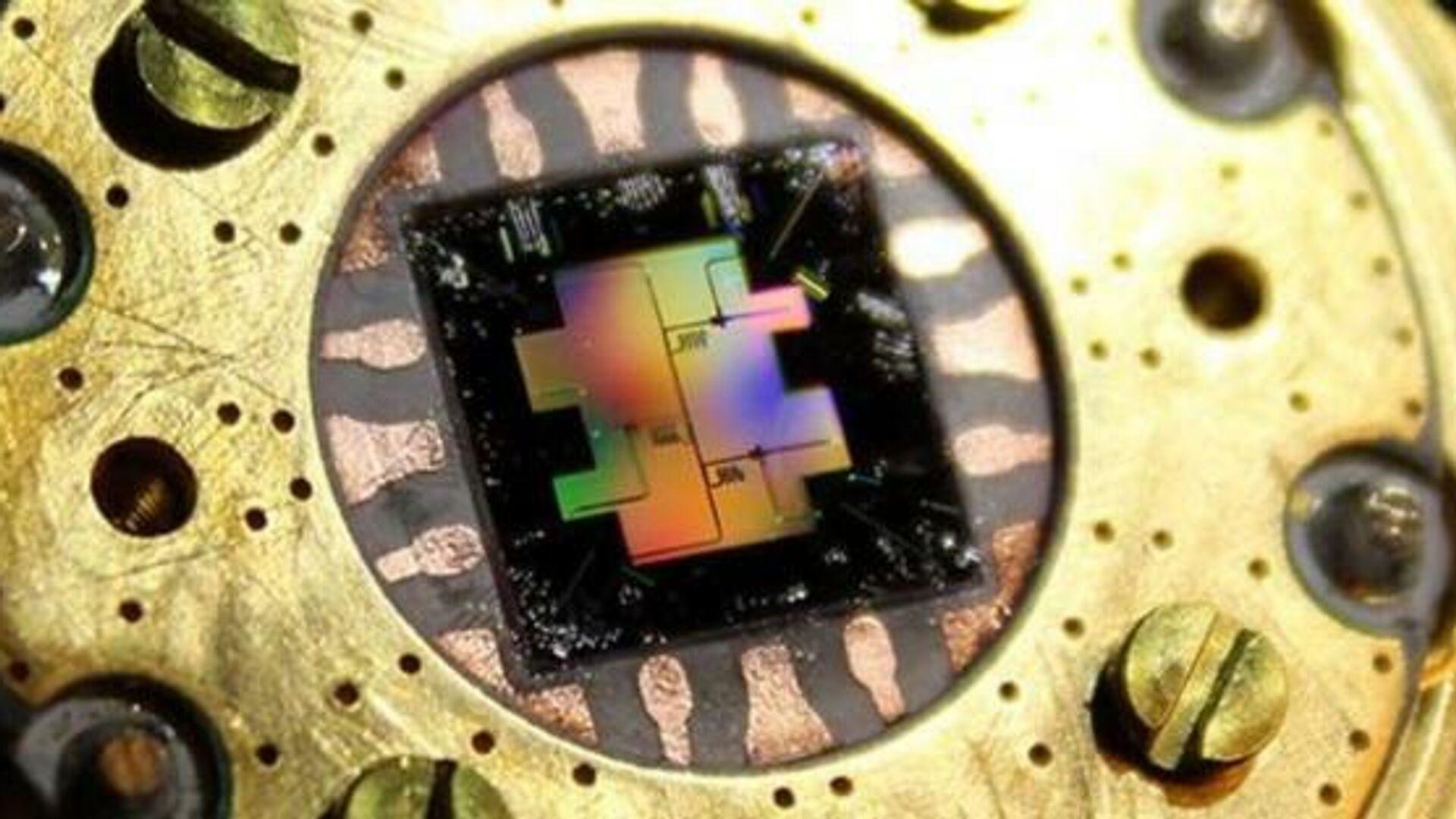 """Ученые создали на квантовом компьютере модель """"невозможной"""" вселенной"""