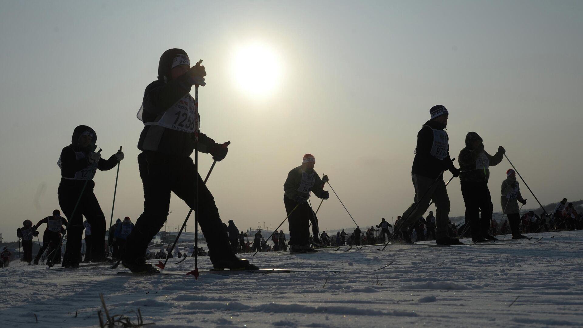 Участники массовой лыжной гонки - РИА Новости, 1920, 17.02.2021