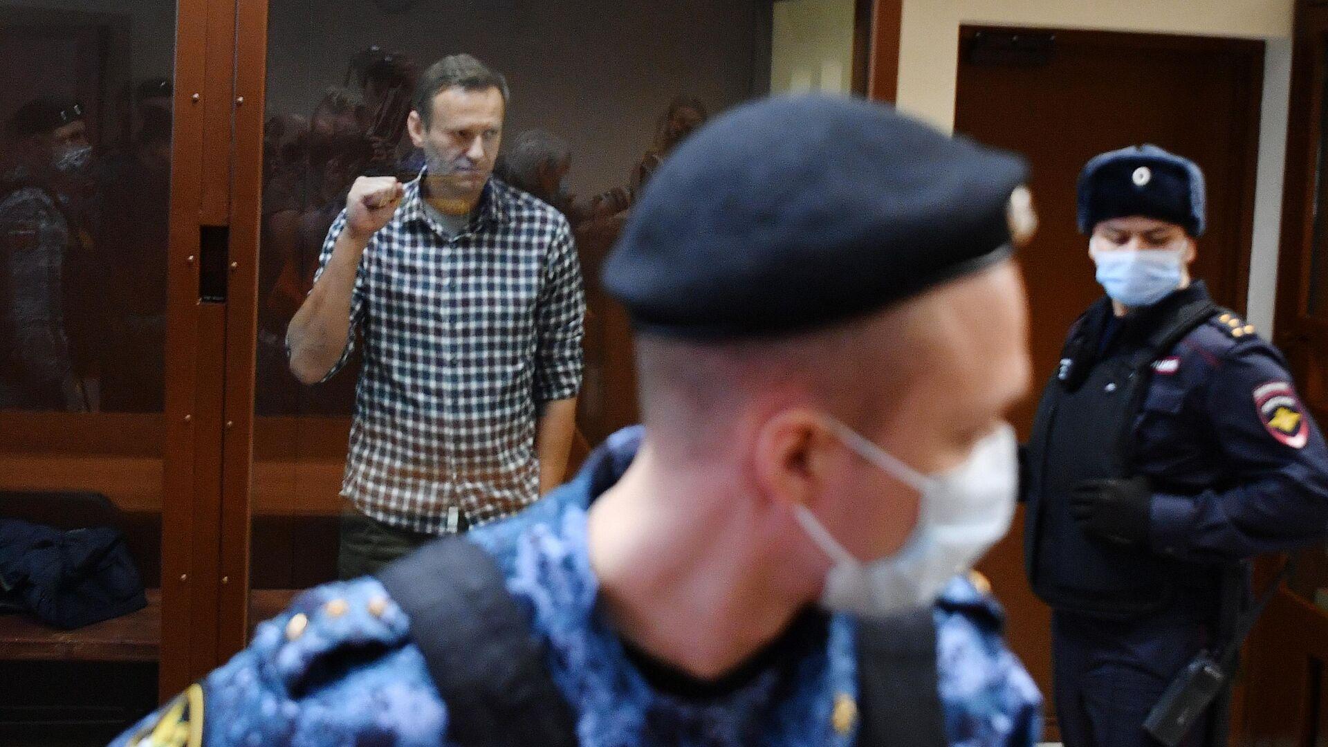 Адвокаты Навального опровергли сообщения о его переводе из колонии
