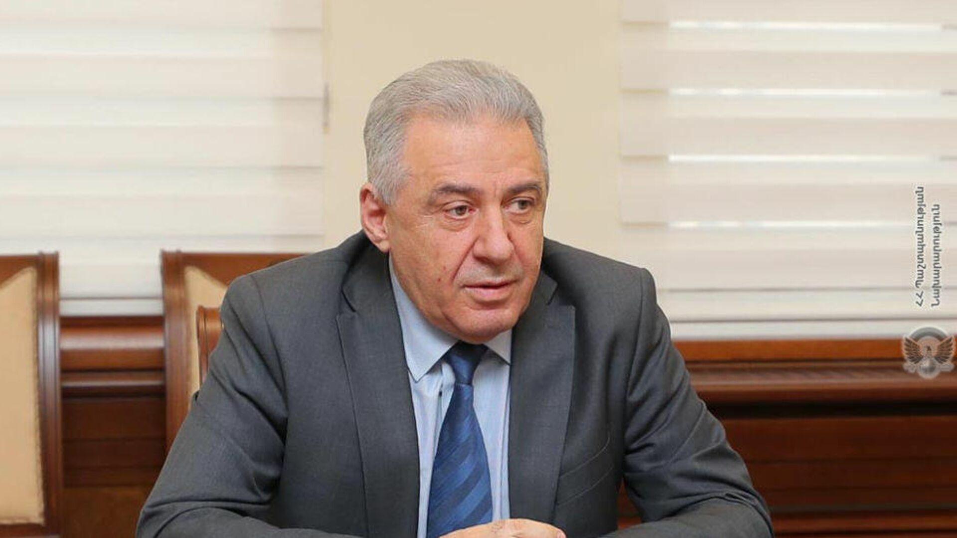 Sputnik Армения: и.о. министра обороны Армении Арутюнян подал в отставку