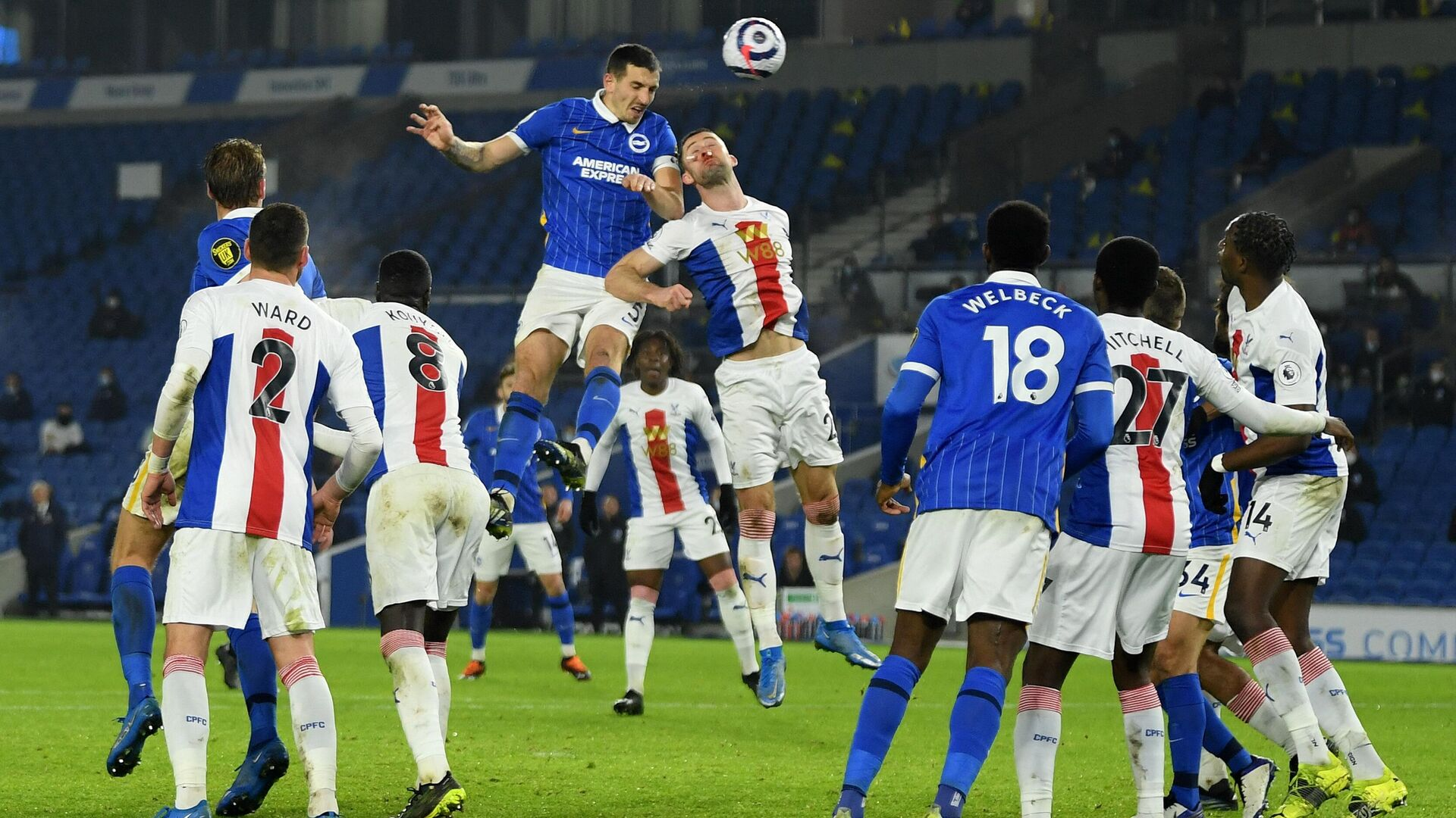 Brighton's English defender Lewis Dunk (centre L) vies with Crystal Palace's English defender Gary Cahill (C) during the English Premier League football match between Brighton and Hove Albion and Crystal Palace at the American Express Community Stadium in Brighton, southern England on February 22, 2021. (Photo by Mike Hewitt / POOL / AFP) / RESTRICTED TO EDITORIAL USE. No use with unauthorized audio, video, data, fixture lists, club/league logos or 'live' services. Online in-match use limited to 120 images. An additional 40 images may be used in extra time. No video emulation. Social media in-match use limited to 120 images. An additional 40 images may be used in extra time. No use in betting publications, games or single club/league/player publications. /  - РИА Новости, 1920, 23.02.2021