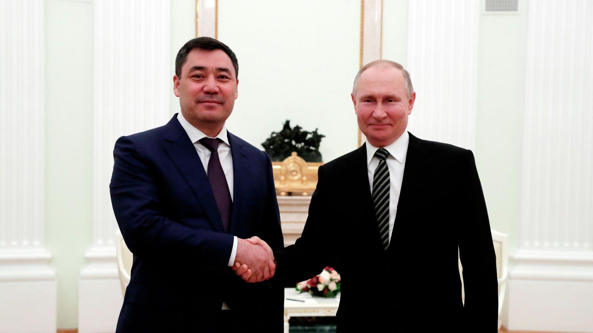 Президент Киргизии рассказал, что подарил Путину
