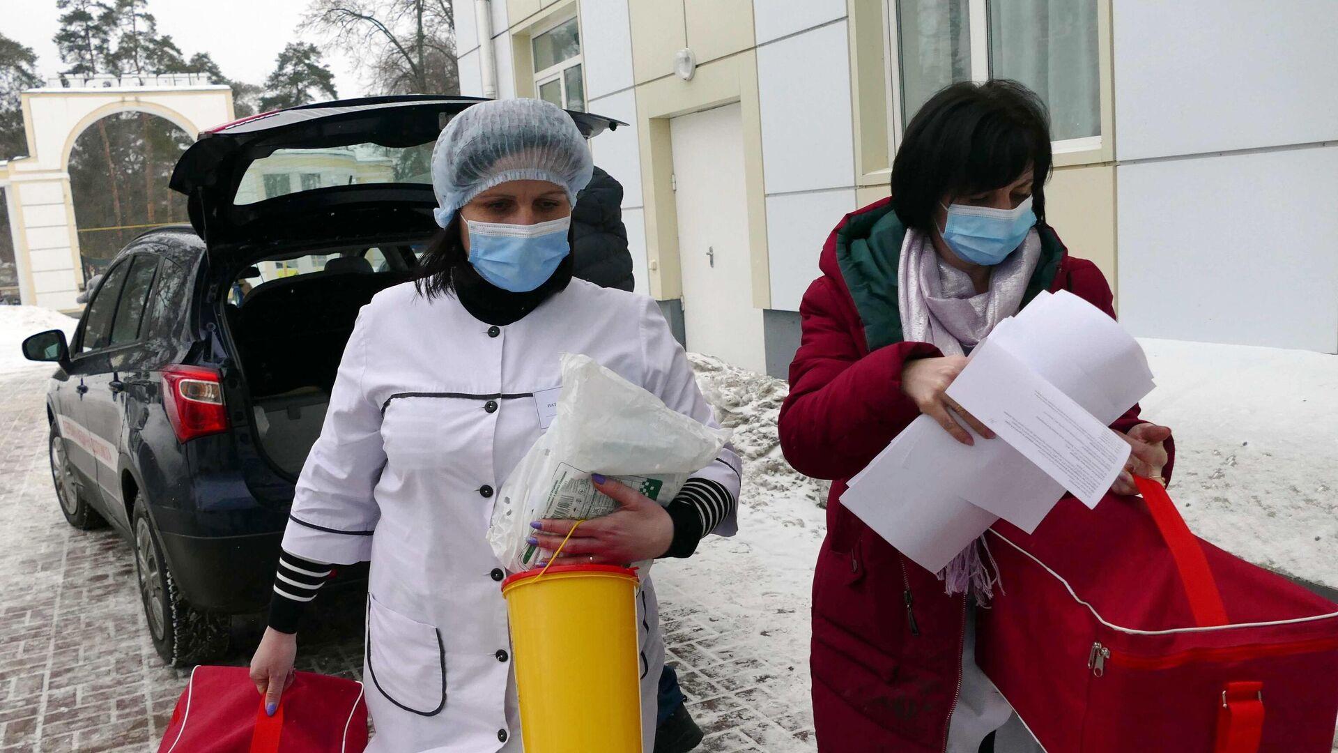 Старт вакцинации от коронавируса на Украине - РИА Новости, 1920, 02.03.2021