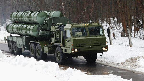 Пусковая установка зенитно-ракетного комплекса С-400 Триумф
