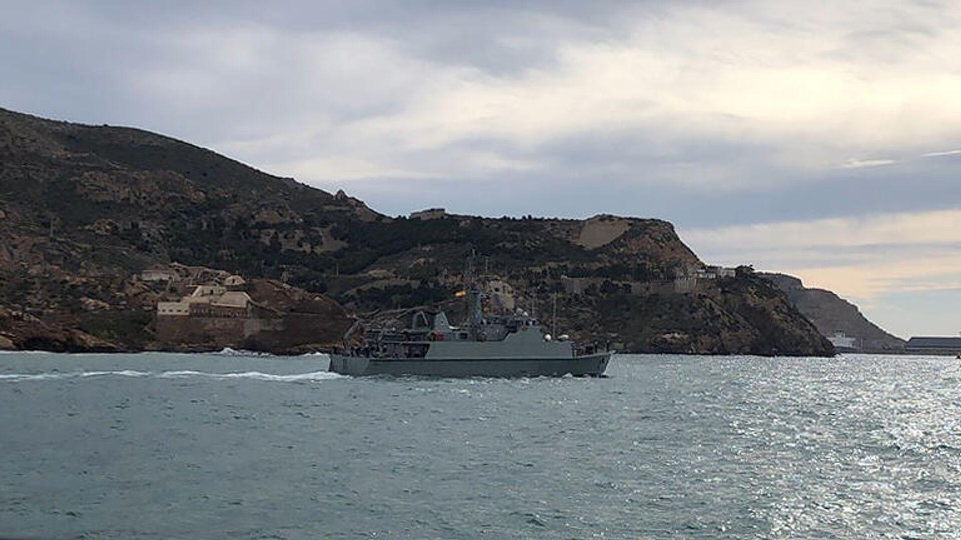 Корабль для поиска мин Тахо ВМС Испании в рамках выполнения задач НАТО по противоминной защите. Февраль 2021 - РИА Новости, 1920, 25.02.2021