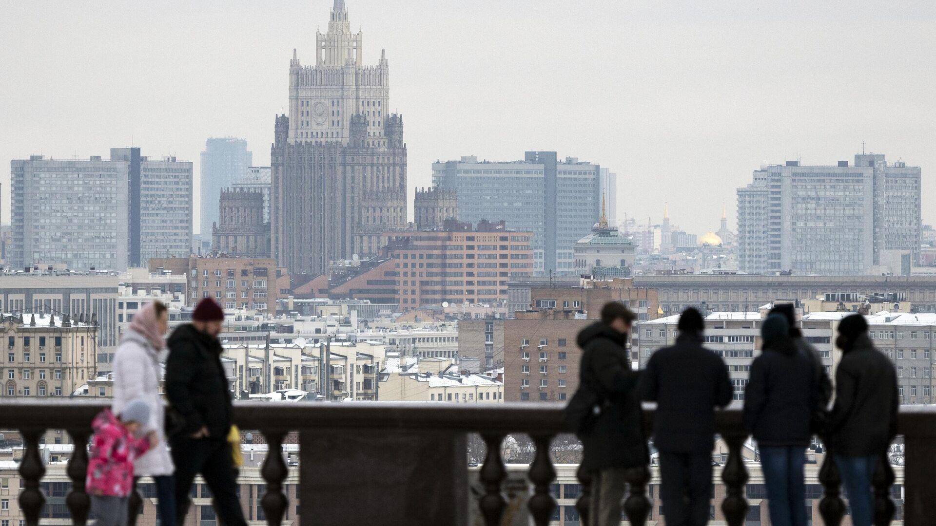 Вид на здание Министерства иностранных дел РФ на Смоленской-Сенной площади  - РИА Новости, 1920, 05.03.2021