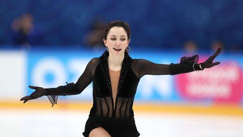Елизавета Туктамышева выступает с произвольной программой в женском одиночном катании в финале Кубка России по фигурному катанию в Москве.