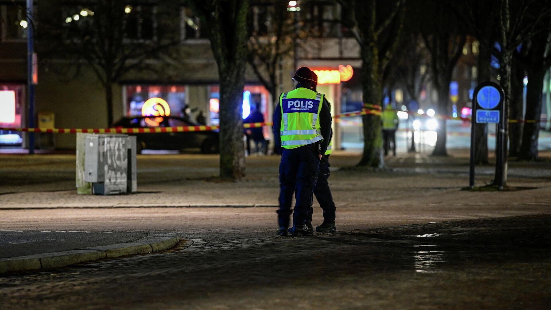 На месте нападения мужчины с ножом на людей в шведском городе Ветланда - РИА Новости, 1920, 04.03.2021