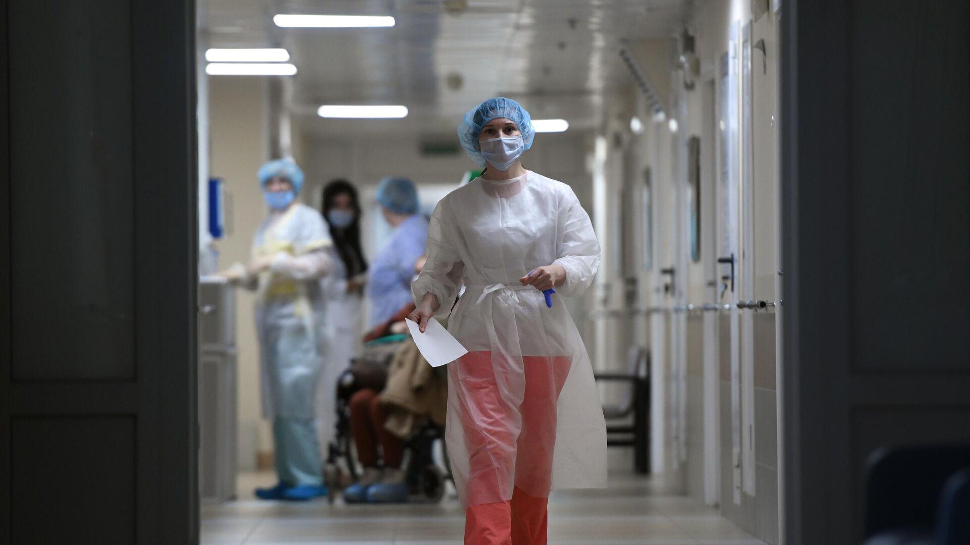 Медицинские работники и пациенты в городской клинической больнице №15 имени О.М. Филатова - РИА Новости, 1920, 05.03.2021