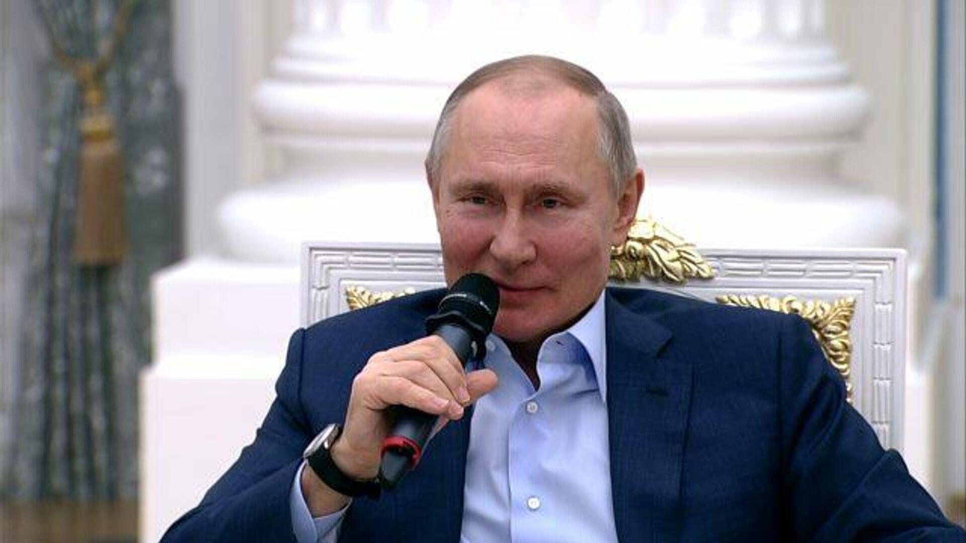 """""""Они сами себе зубы переломают"""" – Путин о тех, кто оскорбляет ветеранов - РИА Новости, 1920, 04.03.2021"""