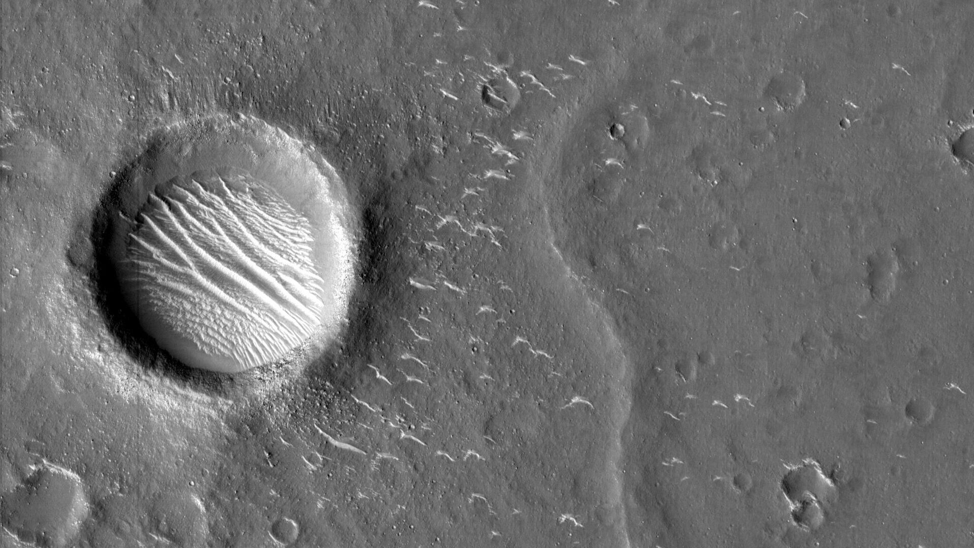 Снимки Марса, сделанные зондом Тяньвэнь-1 - РИА Новости, 1920, 15.05.2021