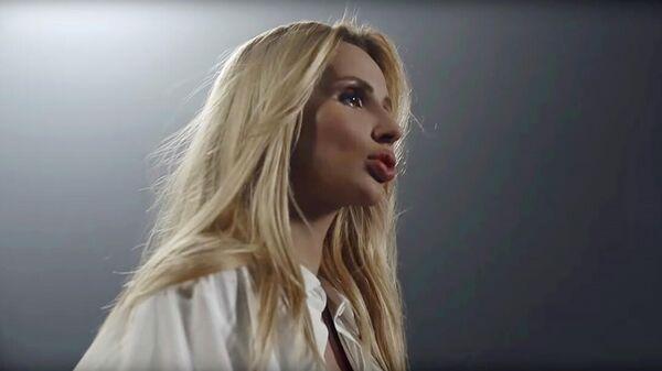 Кадр из клипа LOBODA - Родной