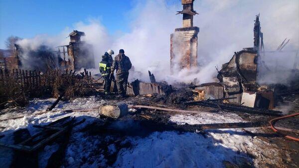 Последствия возгорания в деревянном одноэтажном жилом доме в поселке Березовый Солнечного района, Хабаровский край
