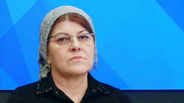 Член Совета при главе Чеченской Республики по развитию гражданского общества и правам человека Хеда Саратова
