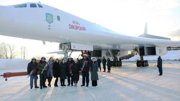 Передача бомбардировщика Ту-160М для предварительных испытаний