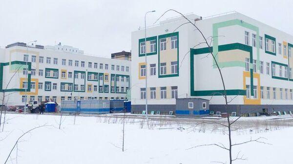 Строительство школы на 1200 учебных мест в городе Тюмени в районе улиц Зелинского и Менделеева в рамках национального проекта Образование