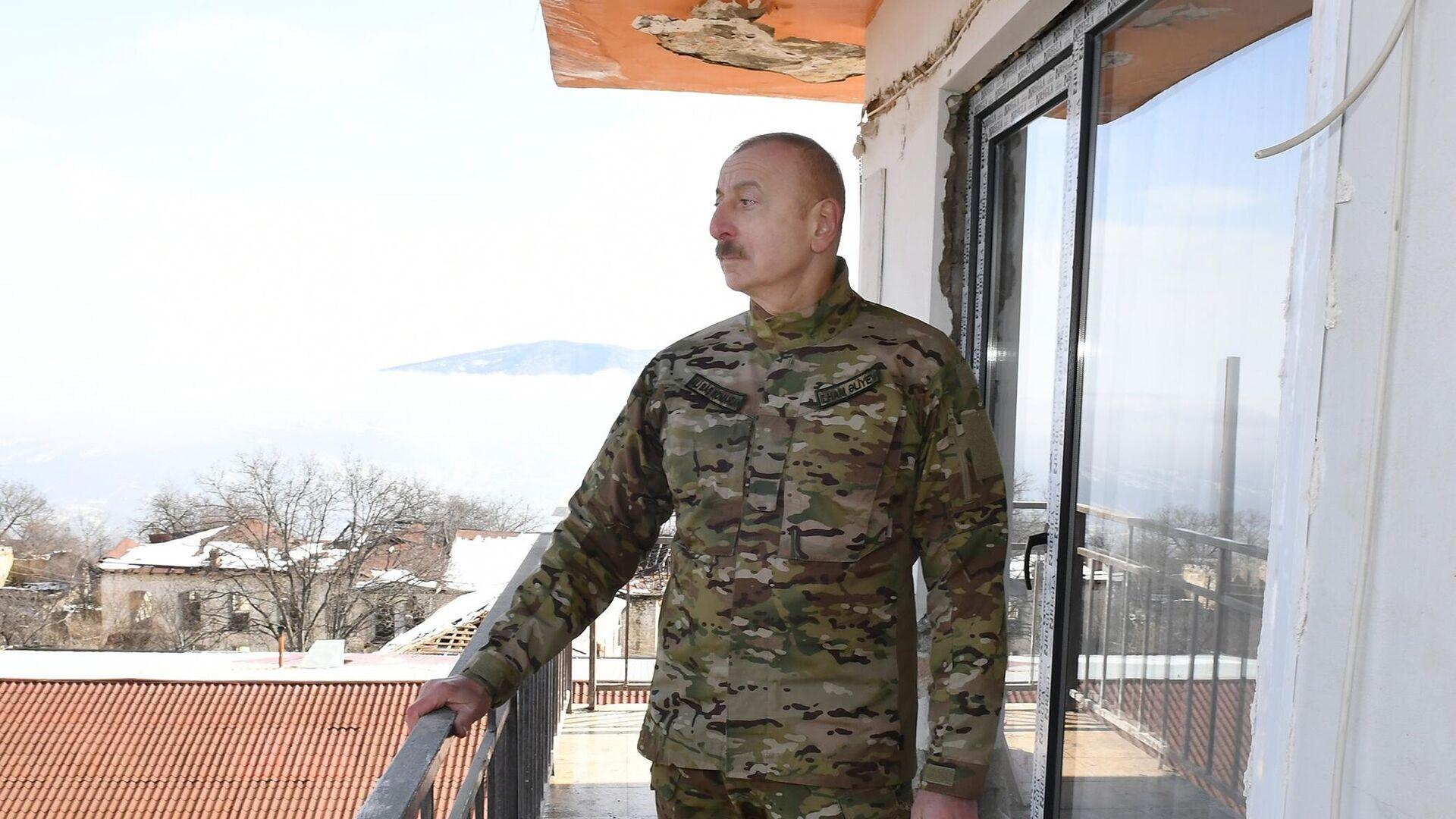 Президент Азербайджана Ильхам Алиев  во время посещения города Шуша - РИА Новости, 1920, 12.04.2021