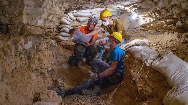 Египетские археологи обнаружили под Луксором крупнейший исчезнувший город
