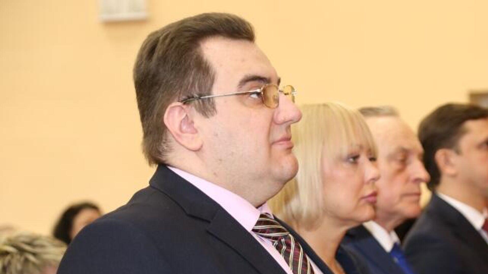 """Власти объяснили """"задержку"""" главы Челябинска в ОАЭ за счет бюджета"""